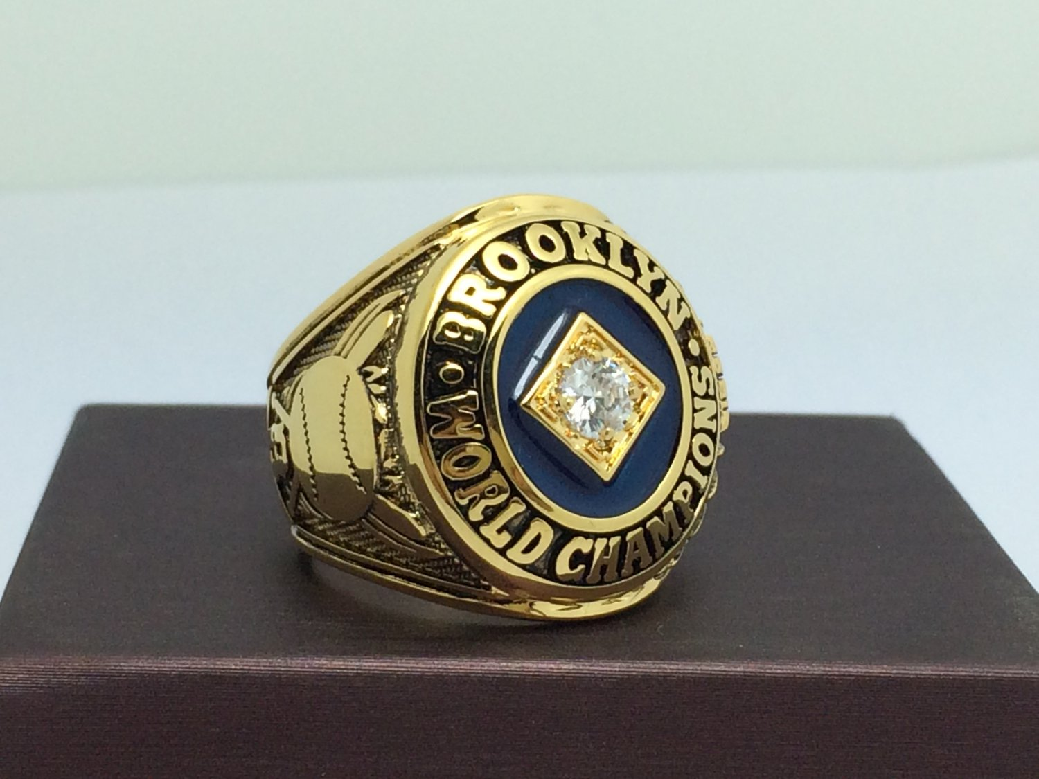 1955  Los Angeles Dodgers world series Championship Ring 9-13 Size With wooden box