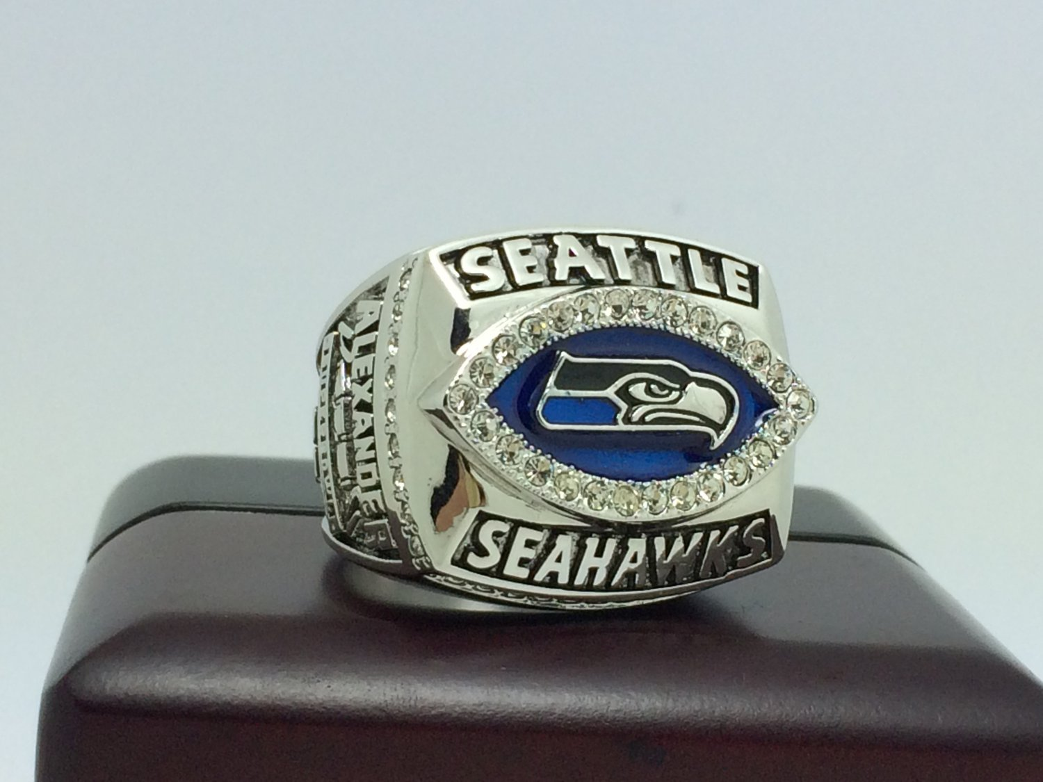 2005 Seattle Seahawks NFC super bowl Championship Ring 8-14 Size choose With wooden box