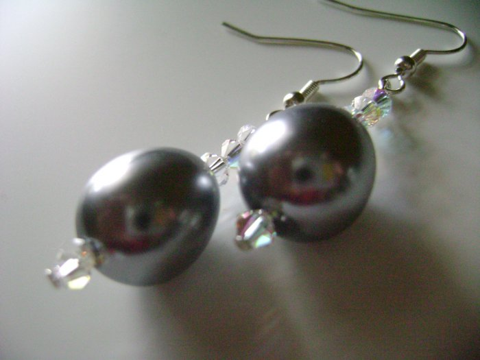 Elegant Metalic Gray Glass Pearl Earrings