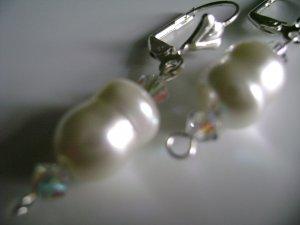 Romantic Pearl Earrings