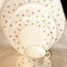 Wedgwood Dinnerware Cascade 5 Piece Place Setting Flowers Swirl Rim Green Dots