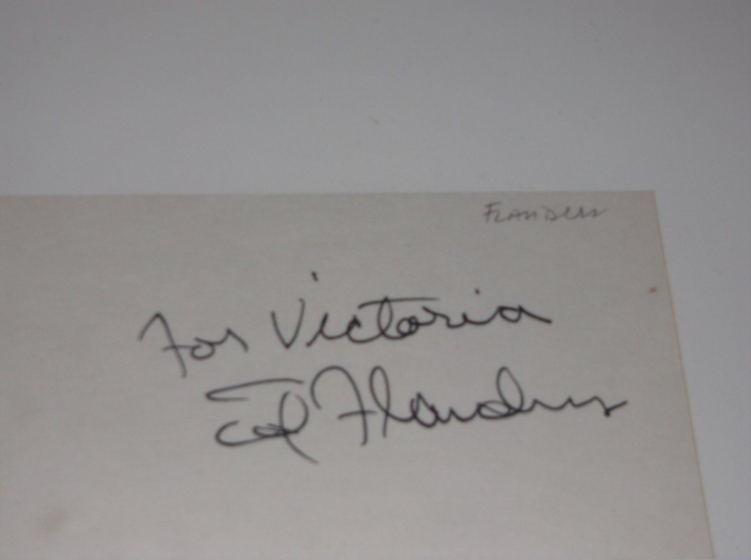 Ed Flanders (1934-1995) signed inscribed 3x5 card