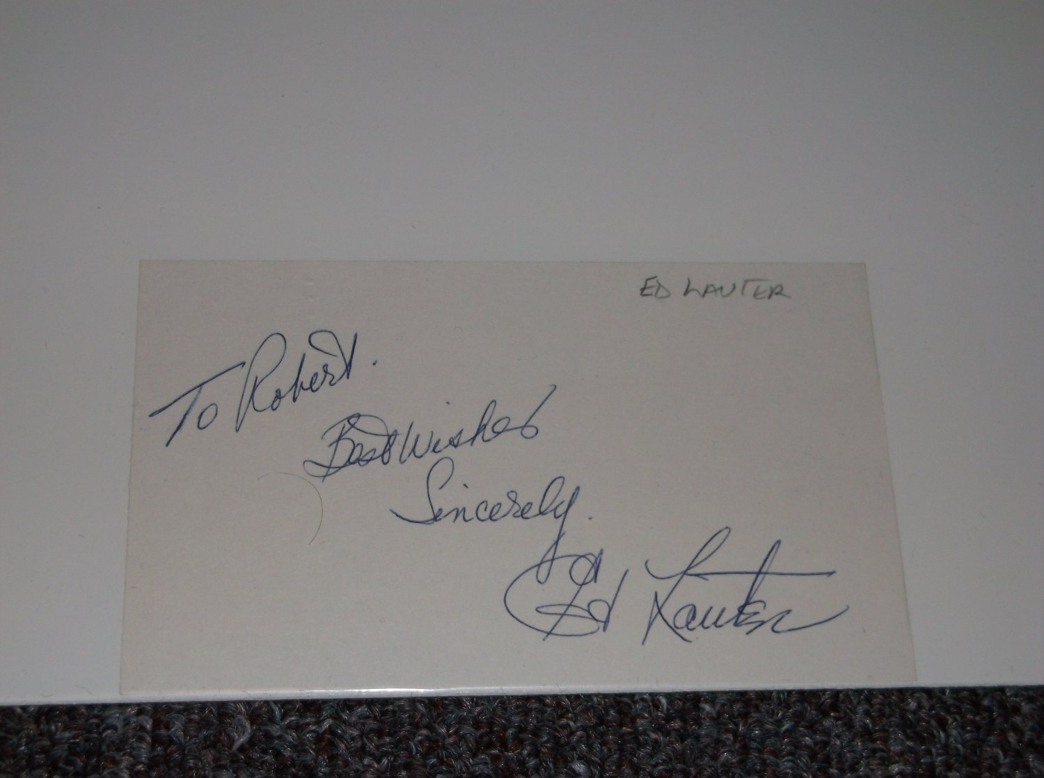Ed Lauter (1938-2013) signed inscribed 3x5 card