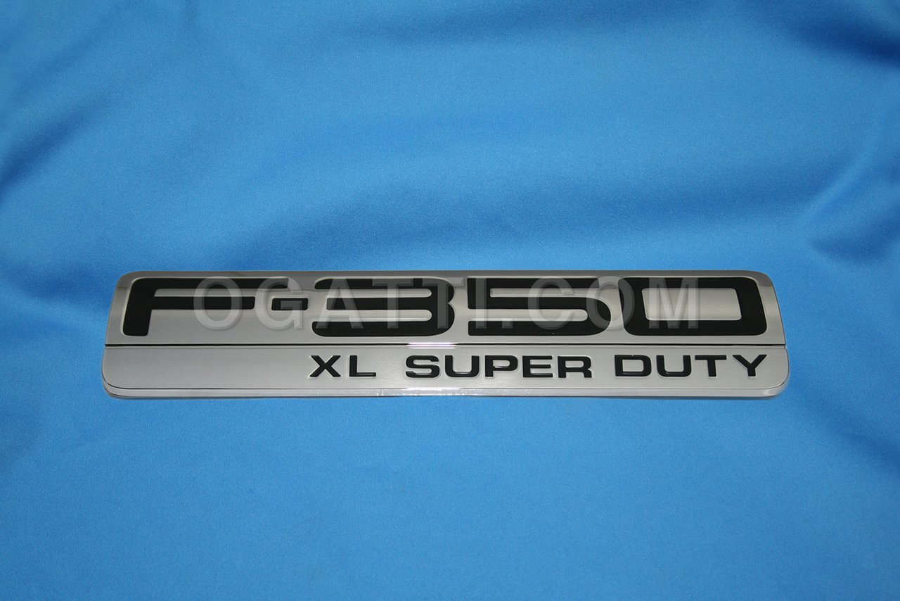 Brand New Ford OEM F-350 XL Super Duty 2005-2007 Fender Emblem 5C3Z-16720-CB