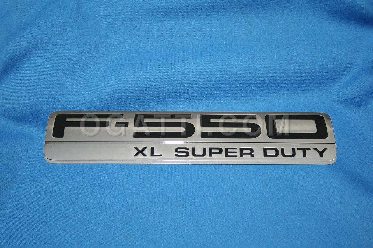 Brand New Ford OEM F-550 XL Super Duty 2005-2007 Fender Emblem 5C3Z-16720-RA