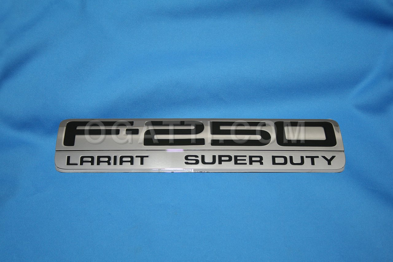 Brand New Ford OEM F-250 Lariat Super Duty 2005-2007 Fender Emblem 5C3Z-16720-VA