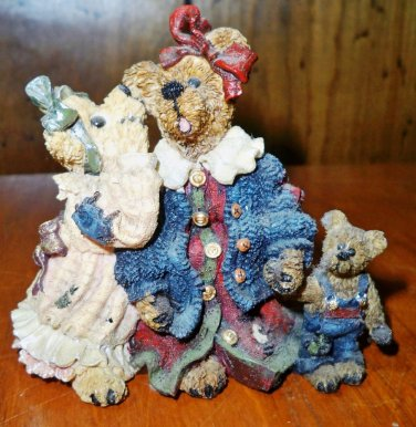 Boyds Bears �- �Louella & Hedda The Secret� Figurine
