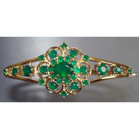 3.85 carats genuine emerald agate gold bangle