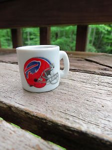 FOOTBALL FANS!! NFL BUFFALO BILLS TINY SMALL MINIATURE MUG - HELMET LOGO