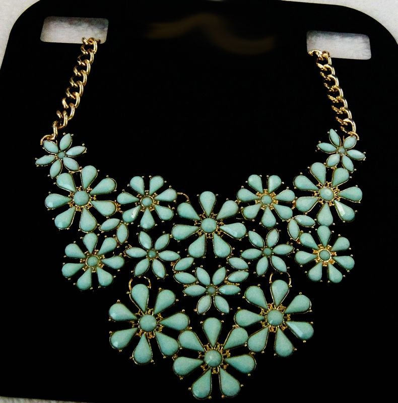 stylish jewelry Chain Bib Necklace for women gifts blue flower