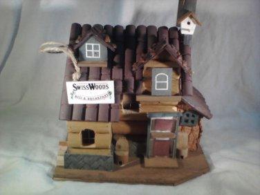 Bed & Breakfast BIRDHOUSE Garden Decor BIRDS Bird House (#37920)