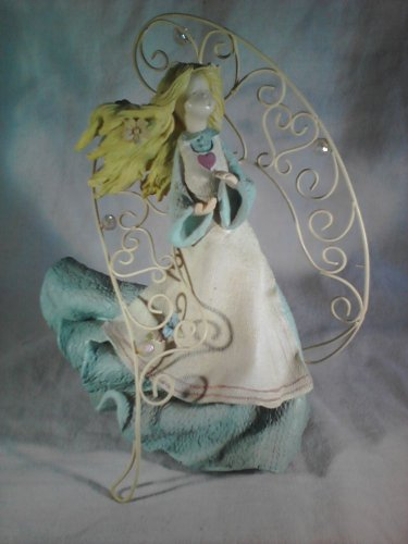 ANGEL Figurine with Metal Wings  (#33796)