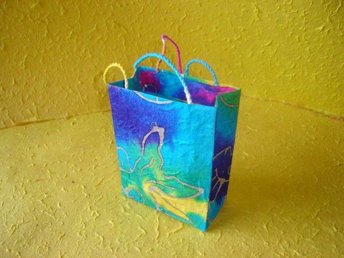 Medium paper bags