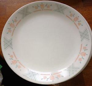 "Corelle Dutch Lattice 10"" Dinner Plate Very Nice"