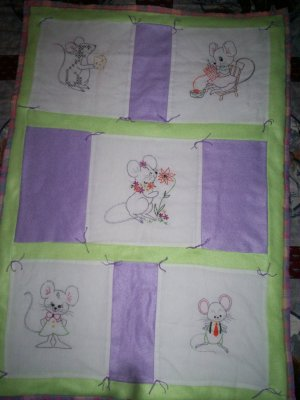 baby quilt 5 panels of mice 34 inches by 24 inches