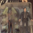 Agent Fox Moulder from The X-Files | Action Figure with alien