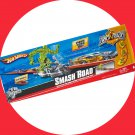 Hot Wheels Tricks Tracks SMASH ROAD + Car + 2010 Collector Playset Boys Gift 4+
