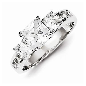 STERLING SILVER POLISHED SQUARE 3 MAIN STONE  CZ RING - SIZE 8