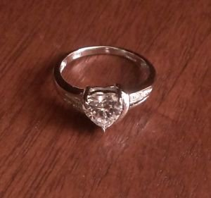 STERLING SILVER POLISHED HEART SHAPED STONE CZ RING - SIZE 7