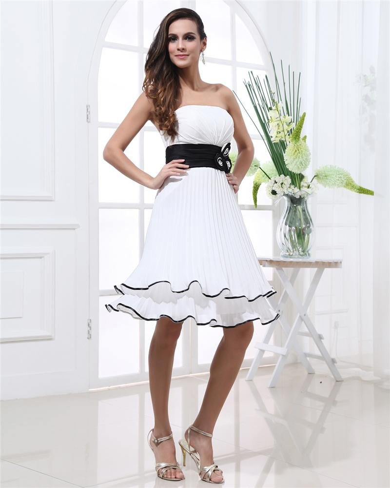 Thigh Length Strapless Neckline Sleeveless Flower Pleated Chiffon Bridesmaid Dress