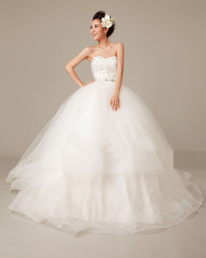 Solid Applique Beading Ruffles Sweetheart Organza Ball Gown Wedding Dress