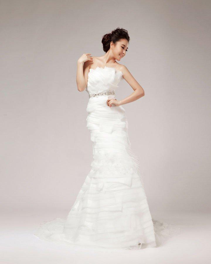 Elegant Beading Ruffles Strapless Organza Sheath Wedding Dress