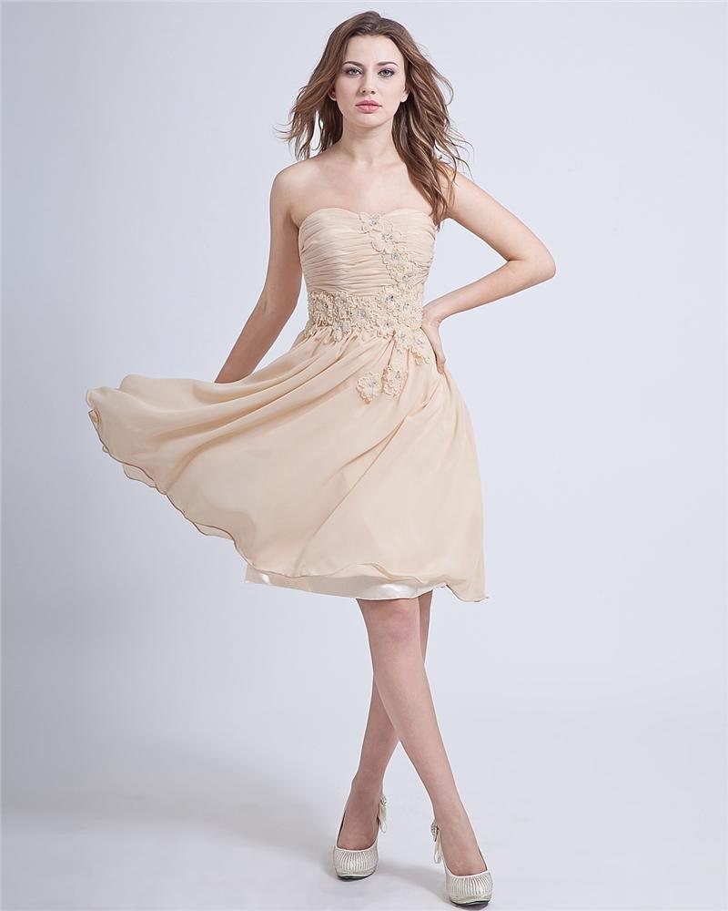 Sweetheart Sleeveless Knee-length Chiffon Graduation Dress