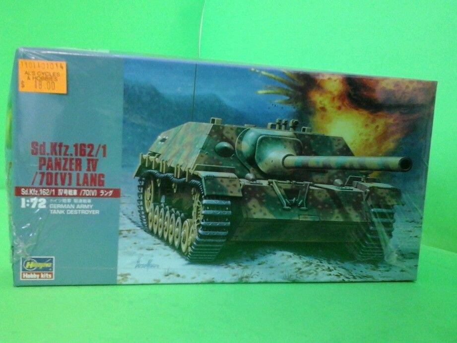 Hasegawa WWII German PZ KPFw IV Army Battle Tank -1/72 Scale NEW SEALED