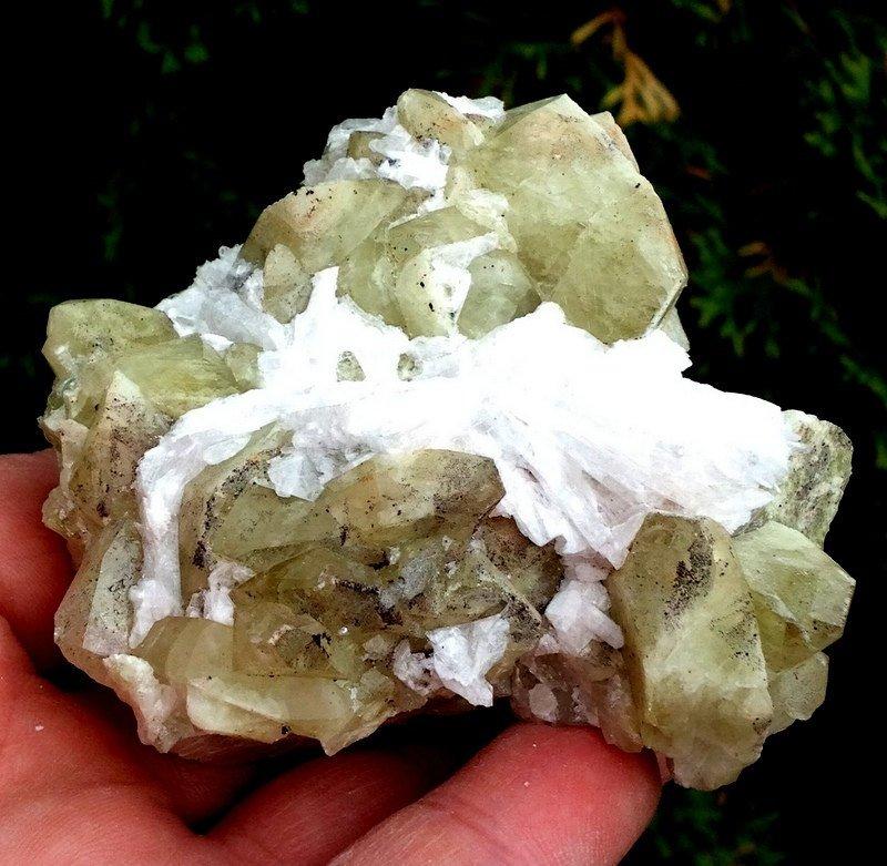 Crystal Healing Green Apophyllite Mordenite Spiritual Realm Growth Reiki Energy stones
