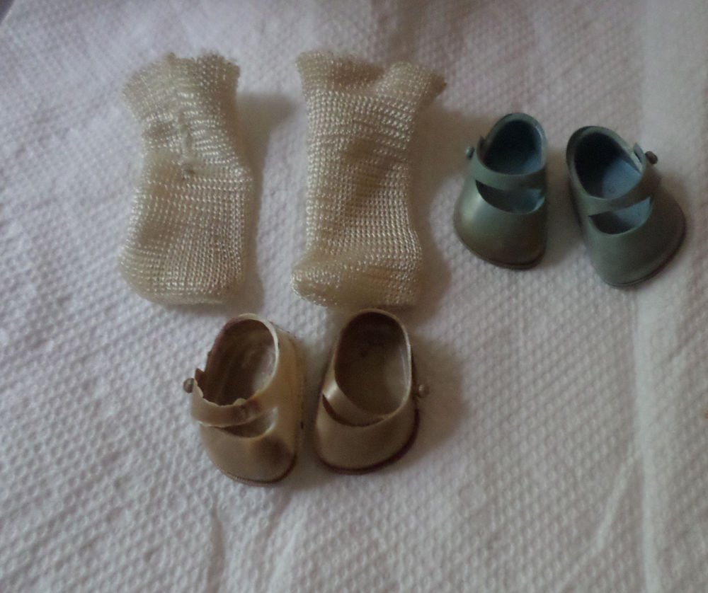 VINTAGE GINNY DOLL SHOES BLUE WHITE AND SOCKS