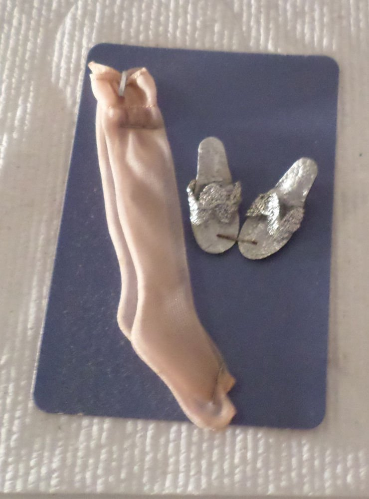 VINTAGE TOTSY MY DOLLY NEEDS SILVER SHOES & HOSE FOR HIGH HEELED FASHION DOLLS