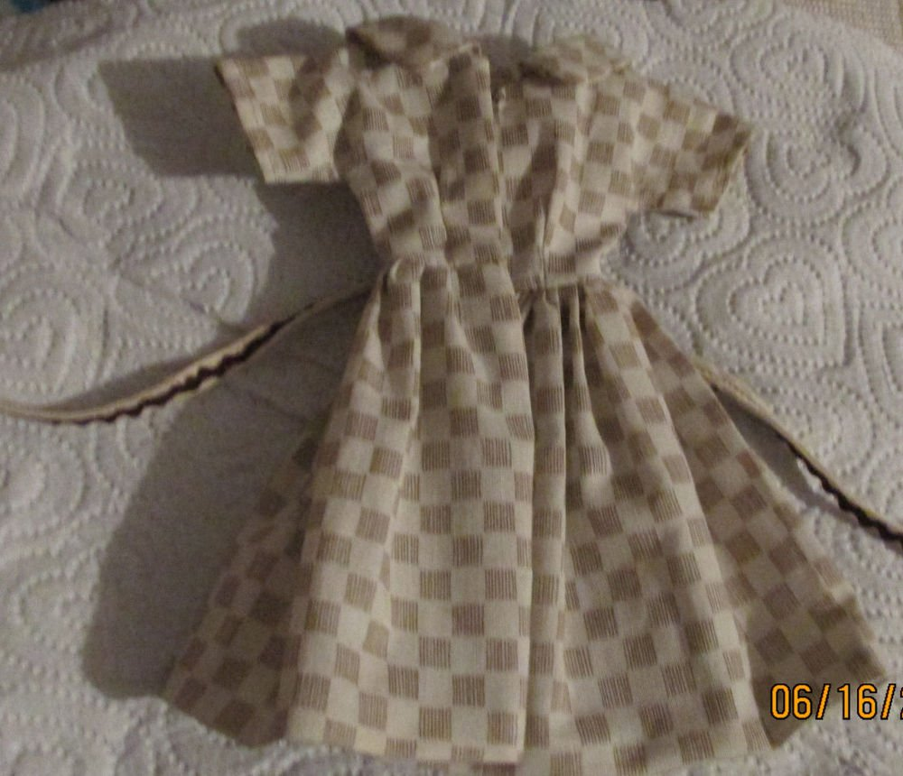 VINTAGE BARBIE BILD LILLI CLONE DRESS 1950s SHIRTWAIST STYLE   FREE SHIP