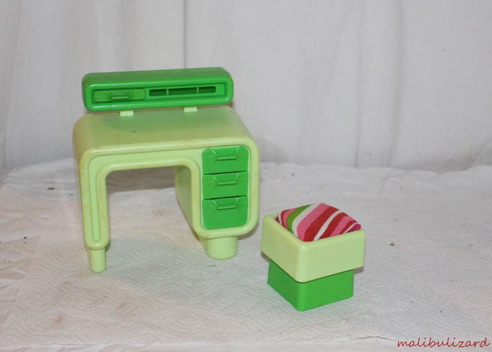 1980s BARBIE DREAM FURNITURE DESK AND CHAIR