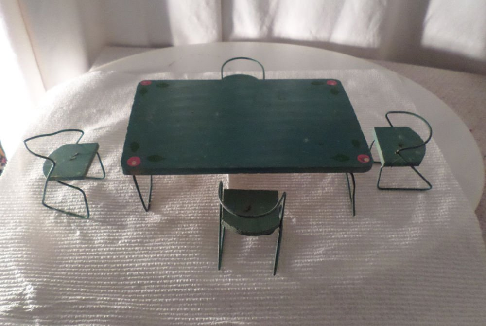 VINTAGE PAINTED WOOD & METAL MID-CENTURY MODERN DOLLHOUSE TABLE & 4 CHAIRS TLC