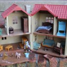 CALICO CRITTERS TOWNHOUSE AND ACCESSORIES