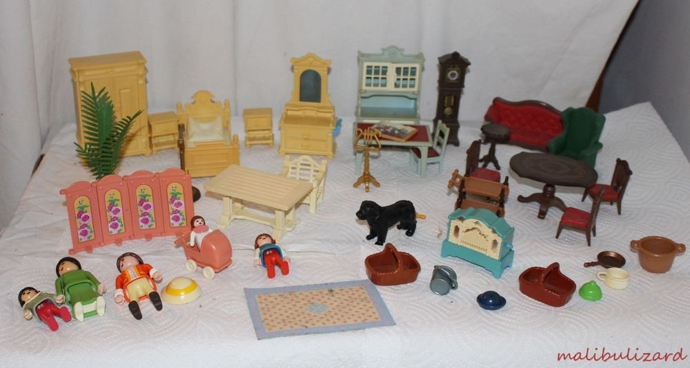 Playmobil Dollhouse Mansion Furniture, People and Accessories Nice Lot 44 Pieces