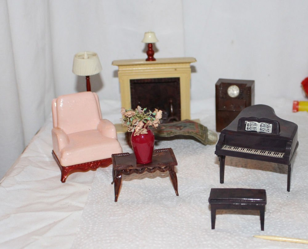Vintage Dollhouse Renwall Living Room Fireplace Piano Lamps Chair Accessories