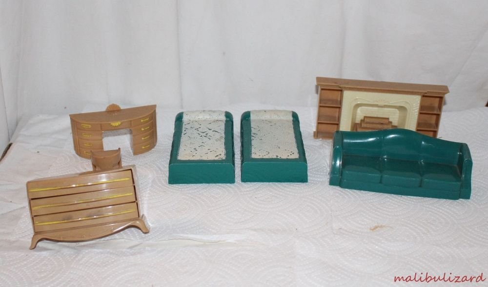 Vintage Plasco Dollhouse Deco Style Bedroom Living Room Painted Spread Fireplace
