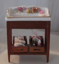 DOLLHOUSE REUTER PORCELAIN BATHROOM  SINK TABLE DRESDEN ROSES WITH ACCESSORIES