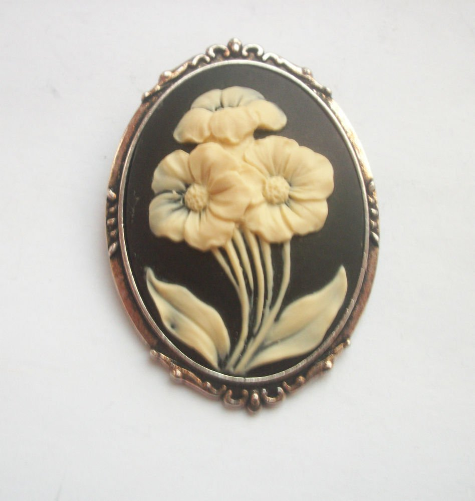 White Flowers on Black Cameo in Antiqued Silver Tone Setting 50mm