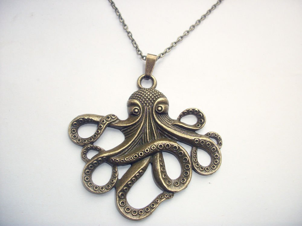 Large Octopus Cthulhu Pendant Bronze Tone Steam Punk Necklace