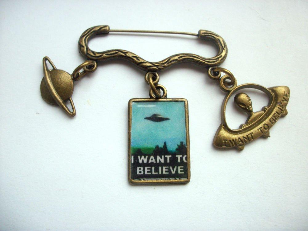 UFO Retro Sci Fi Bronze Tone Brooch Pin