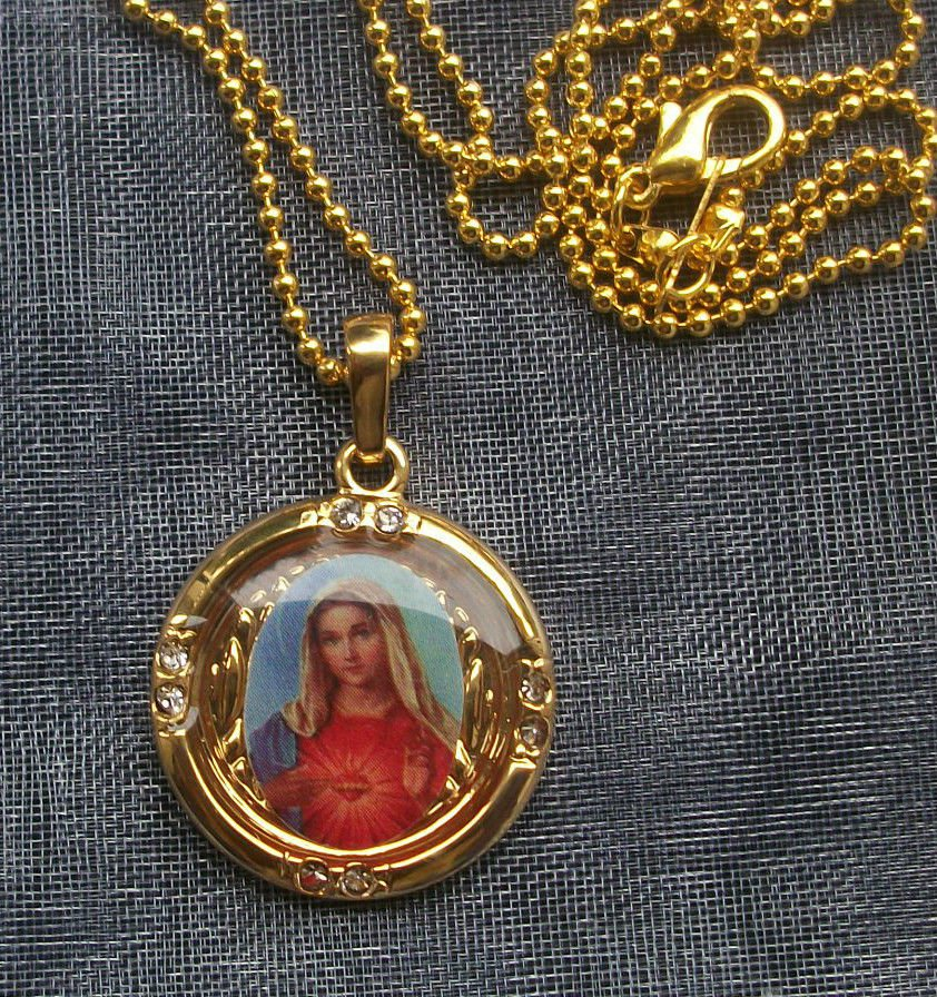 Virgin Mary Gold Tone Pendant Necklace 18 inch Chain