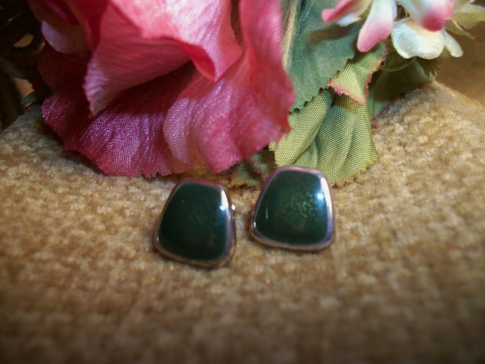 Earrings Green Stone Cabachon Trapezoid Silver Tone Post Vintage 1980's Fashion