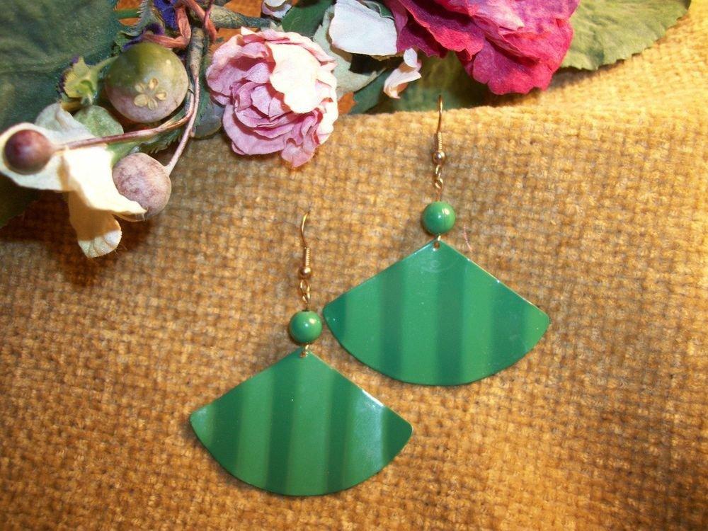 Dangle Fan Earrings Kelly Green Enameled Vintage Fashion Jewelry Fishhook Wires