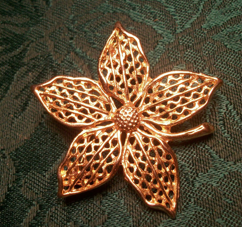 Floral Brooch Open Cut Gold Metal Five Petal Flower VTG 1960's Fashion Jewelry