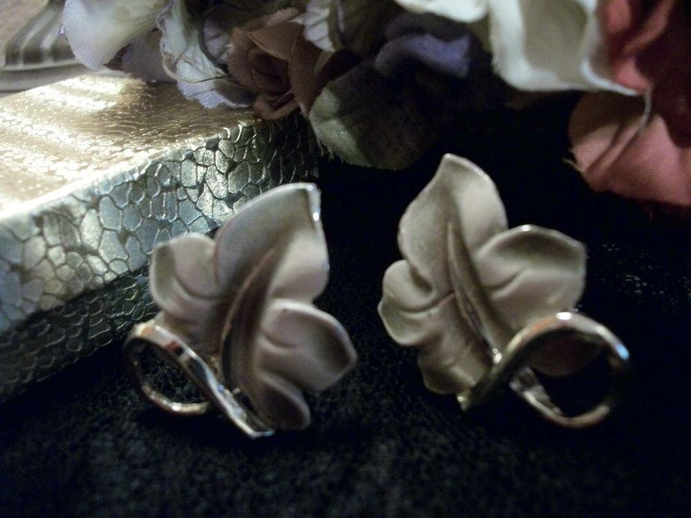 Clip On Earrings Fall Leaf Moss Green Enamel Leaves VTG 1950's Fashion Jewelry