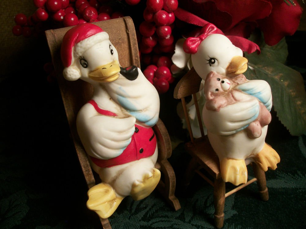 Mid-Century Christmas Decorations, Pair of White Porcelain Ducks in Wood Chairs