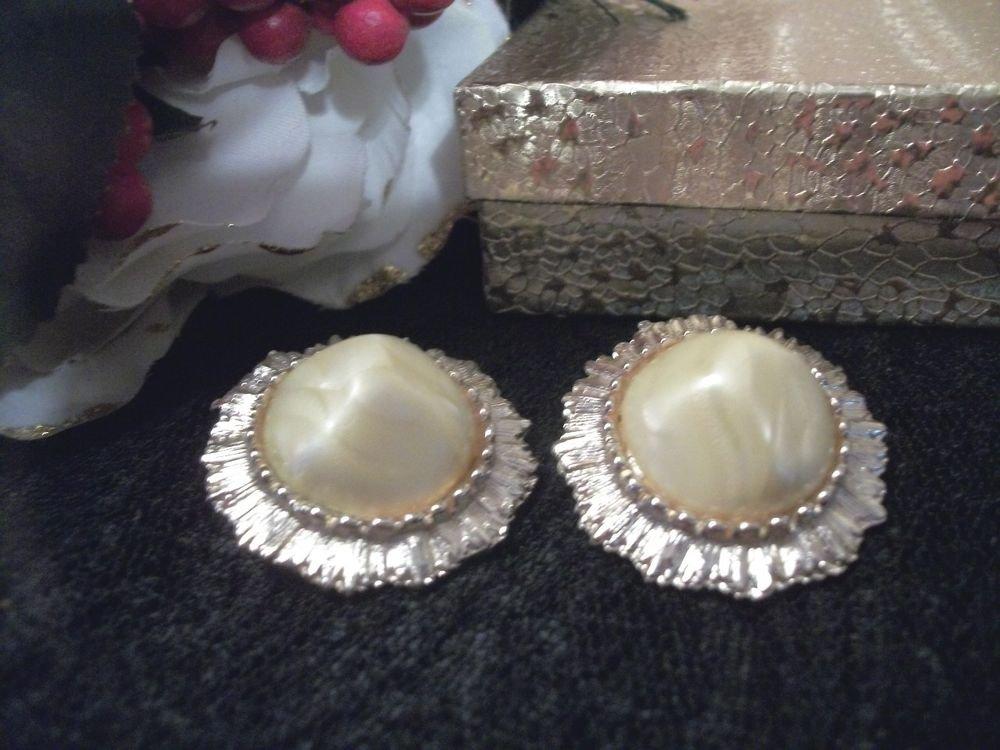 Big Gold Metal Sunburst Frame Yellow Clip On Earrings VTG 1960's Fashion Jewelry
