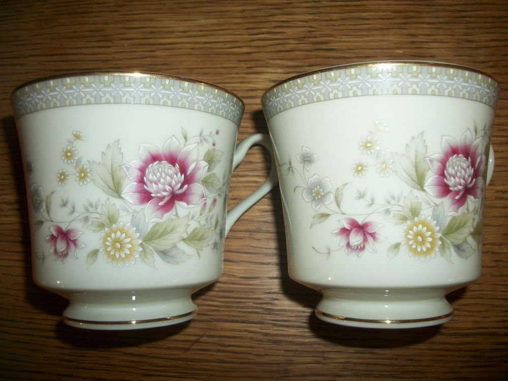 Coffee Tea Cups VTG Fine China Mikasa Grande Ivory Devonshire Floral Tableware